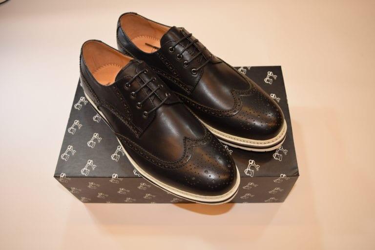 zapato negro e1554201414287
